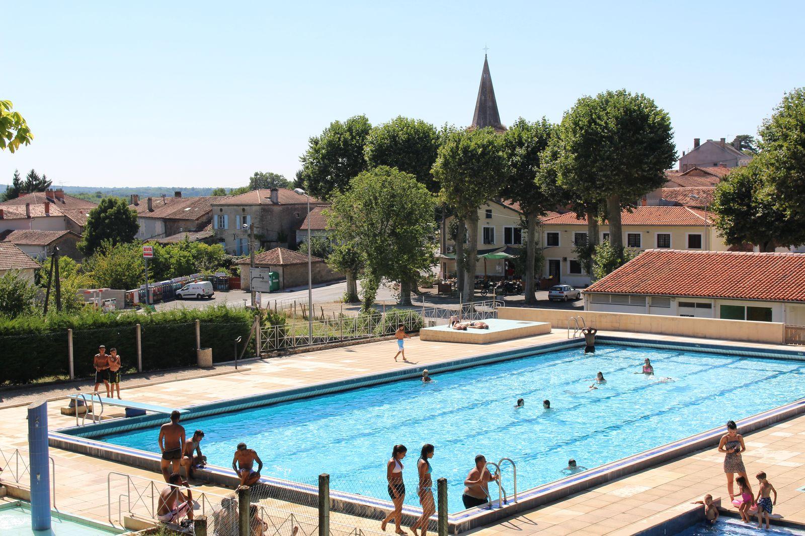 Les piscines d 39 t de charente limousine for Piscine 42 php